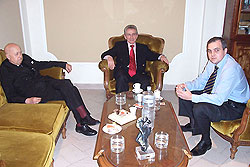 Gustavo Ick junto a Marcos Aguinis y Monseñor Justo Laguna